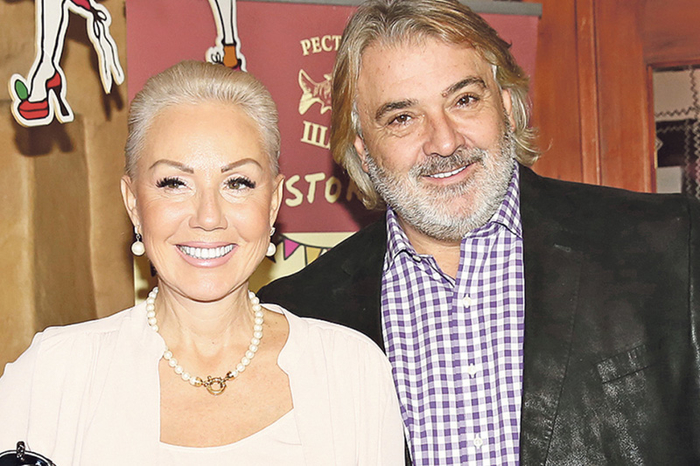 ФОТО: Лепа Брена објави фотографии од свадбата на Стефан и Александра Пријовиќ кои досега не се видени