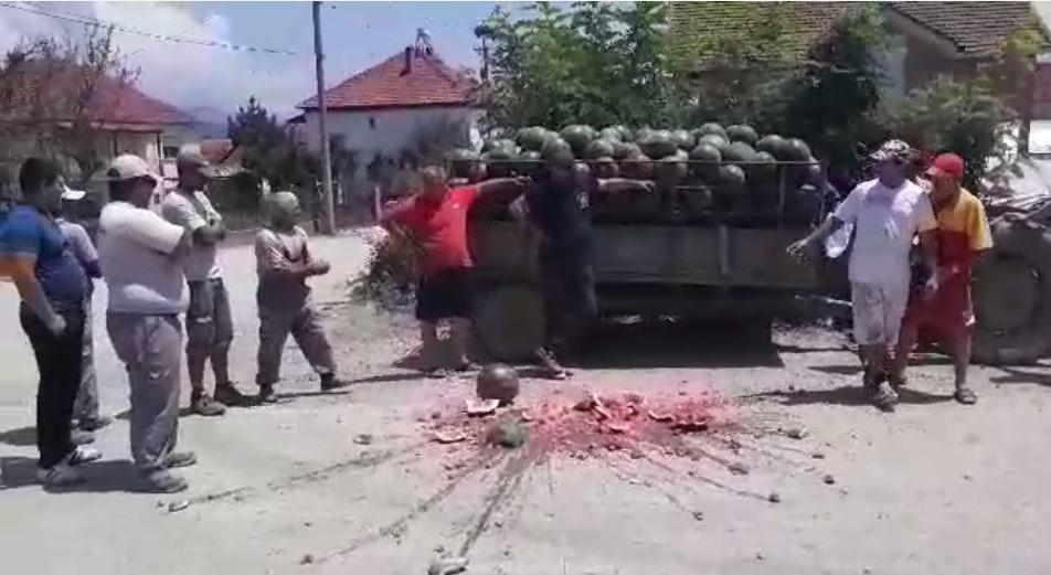 Бостанџиите се кренаа на протест, Владата без слух за откупот