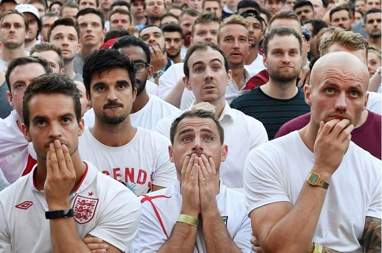 Погледнете како изгледаа лицата на шокираните Англичани по поразот од Хрватска (ВИДЕО)