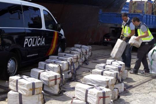 Италијанската полиција заплени тон марихуана пристигната од Албанија