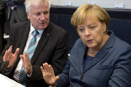 Средба Меркел – Зехофер за спас на германската Влада
