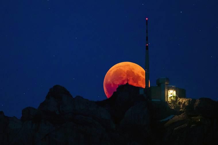 Крвавата месечина беше спектакл ширум светот: Погледнете како изгледаше помрачувањето кое ќе се повтори дури за 100 години