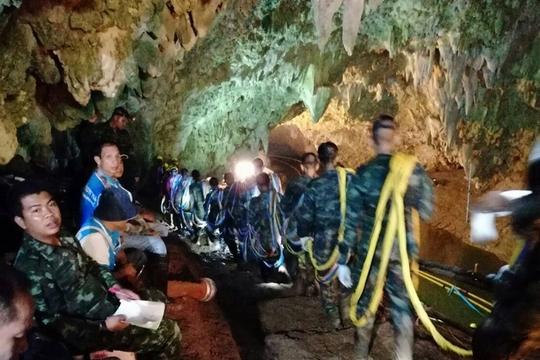 Ризична операција со среќен крај: Исчезнатите тајландски момчиња, по девет дена, пронајдени живи
