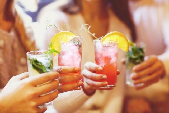 Со овој напиток ќе ги исфрлите токсините, а ги топи и маснотиите