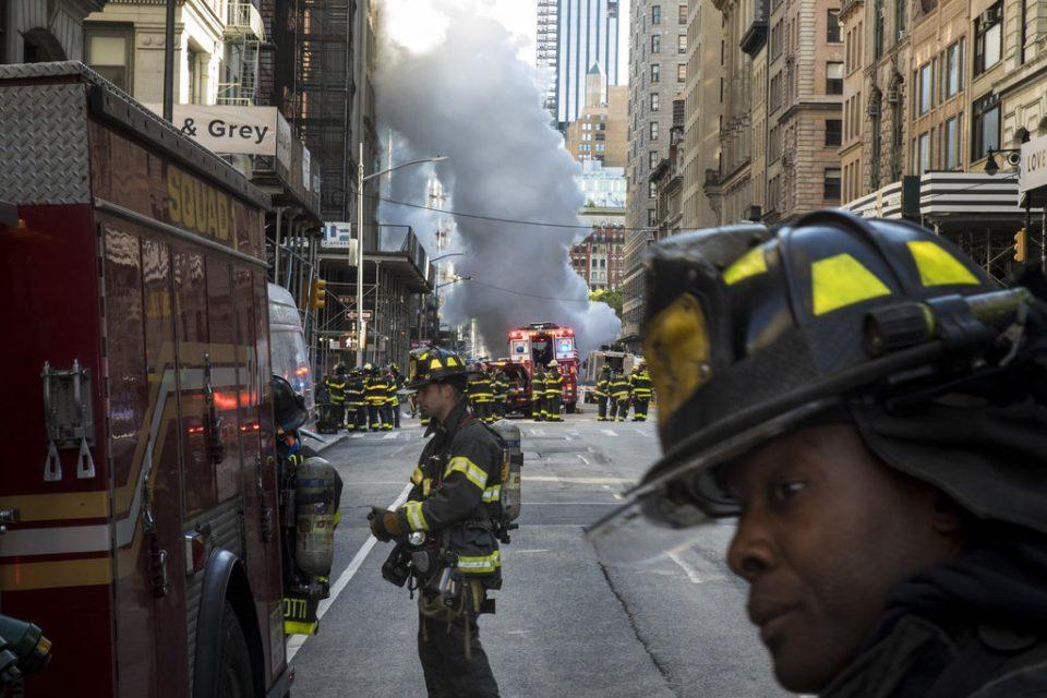 ВИДЕО: Експлозија на цевка за парно, асфалтот летал во воздух