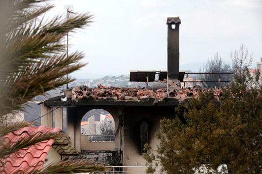 Психолошка поддршка за оштетените во пожарот во Грција
