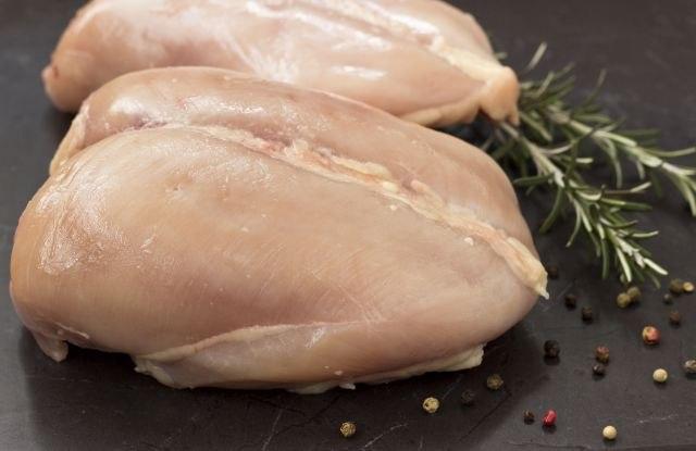 Ако сакате чист протеин избегнувајте вакво пилешко месо