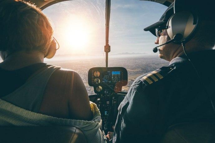 Дали некој кој не е пилот би можел да приземји патнички авион?