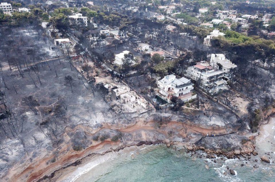 Пожари во Грција: Каменос тврди дека за размерот на несреќата виновно е нелегалното градење