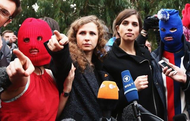 """Европски суд: Членовите на """"Пуси рајот"""" ја добија Русија на суд"""