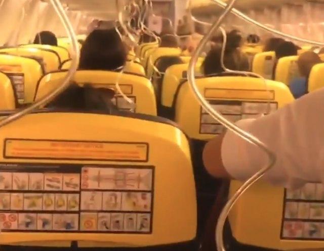 Објавено видео од хаос во авион на Рајанер кој летал за Задар