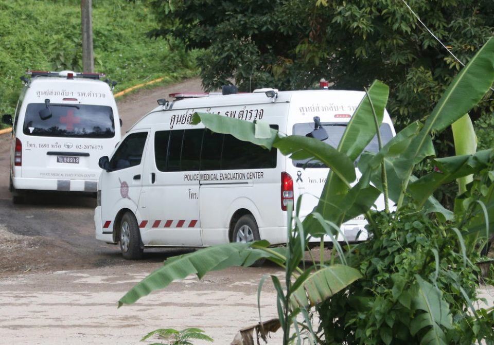 Спасено 5 дете од пештерата во Тајланд