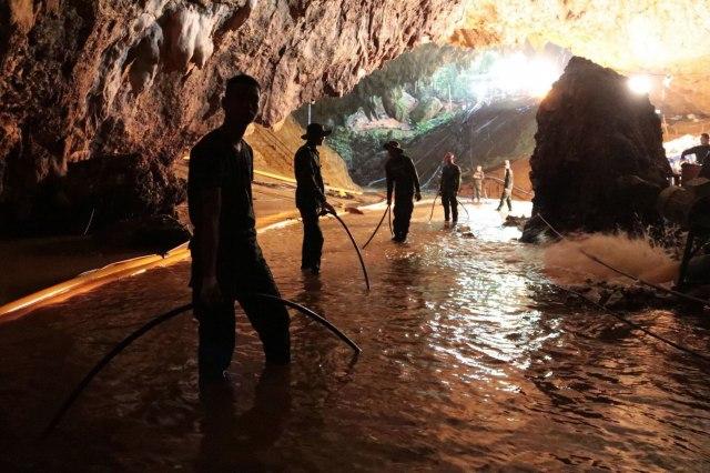 Спасувачите објавија детали од пештерата: Ние не сме херои