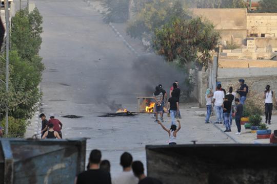 Убиено 15-годишно момче во камп за бегалци: Бил застрелан во градите