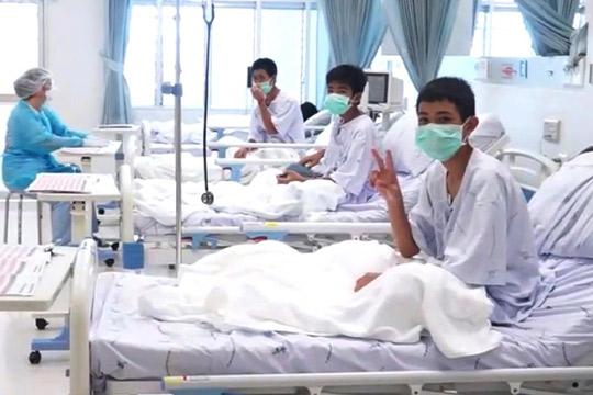 Добри вести: Позната здравствената состојба на момчињата спасени од пештерата во Тајланд