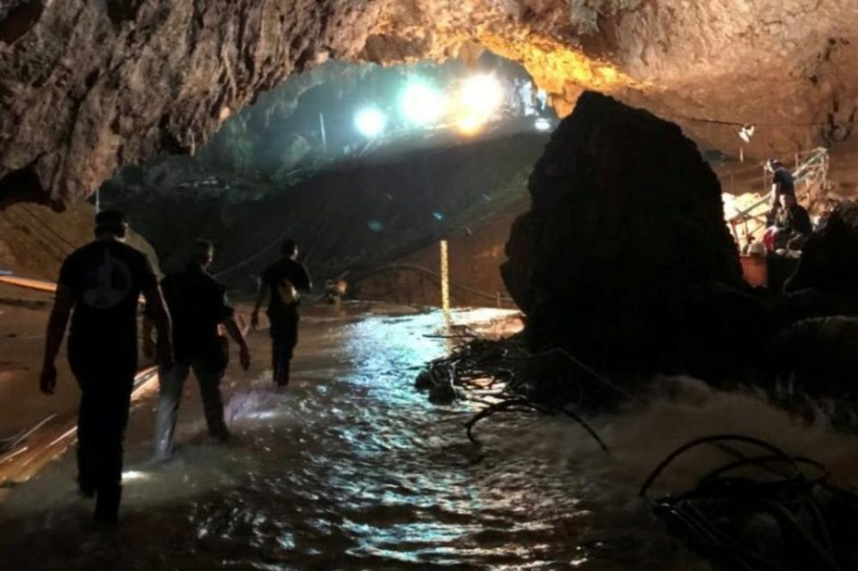 ВИДЕО: Излезе десеттото момче, милијардерот Илон Маск објави морничава снимка од пештерата