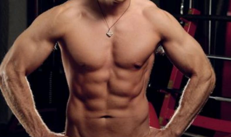 """Тело од кое на жените им се """"врти во глава"""": Милан Калиниќ направи сексапилен маж од себеси (ФОТО+ВИДЕО)"""