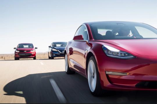 """""""Тесла"""" произведе 5.000 возила """"Модел 3"""" во една недела и покрај големиот број откази"""