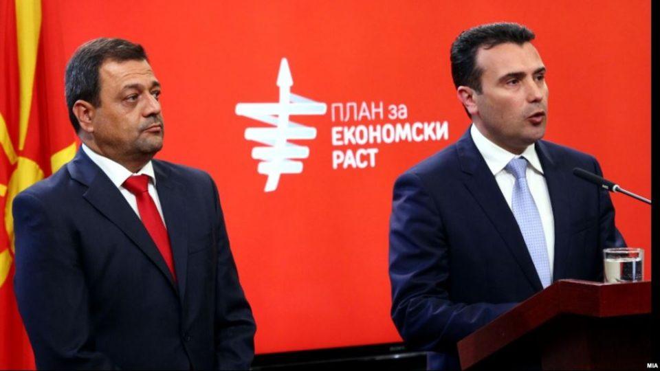 """Заев го осуди Анѓушев по инцидентот со новинарите: """"Тој како професор често го користи фломастерот"""""""