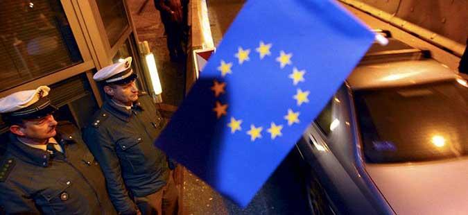 Пад на барањата за азил од Македонија во ЕУ во јуни