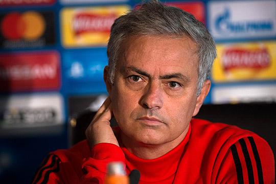 Мурињо на состанок со раководството и играчите на Манчестер Јунајтед
