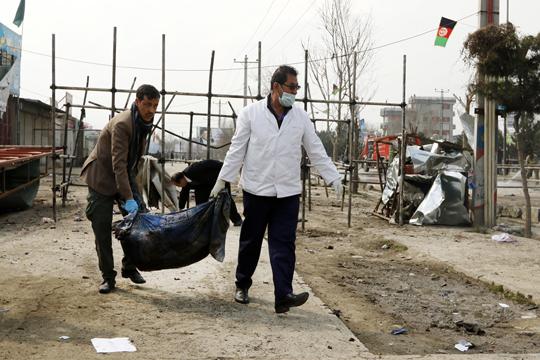 Во вчерашниот напад во Кабул загинаа најмалку 43 лица