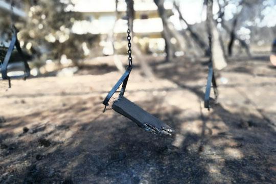 Уште едно лице им подлегна на повредите здобиени во катастрофалните пожари во Атика