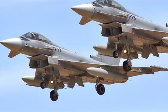 Шпански авион-ловец од невнимание истрела проектил во Естонија