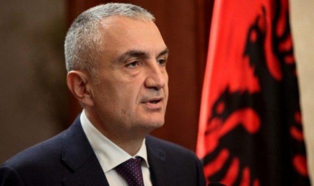 """Претседателот на Албанија, Илир Мета, ги повикува Албанците да излезат и да гласаат """"за"""" на референдумот"""