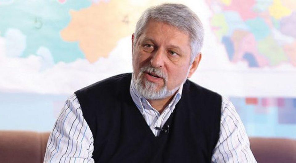 Јакимовски: Замислете Мицкоски да се сликаше со семејствата на yaпсените терористи од ИCИC, како Заев во Диво насеље