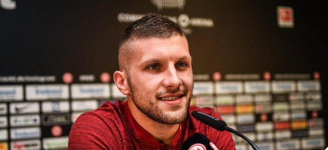 Aнте Ребиќ останува во Ајнтрахт до 2022 година