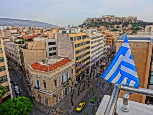 Половина Атина остана без електрична енергија