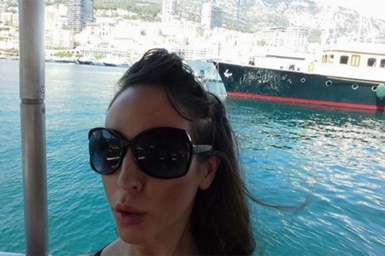 Градот Сплит на претепаната девојка и понуди бесплатно летување