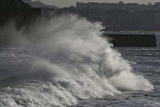 Град предзвика поплави: Големо невреме ја погоди Европа, можни се бури ширум континентот