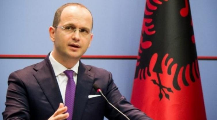 Бушати: Албанците во Македонија да го поддржат историскиот Договор