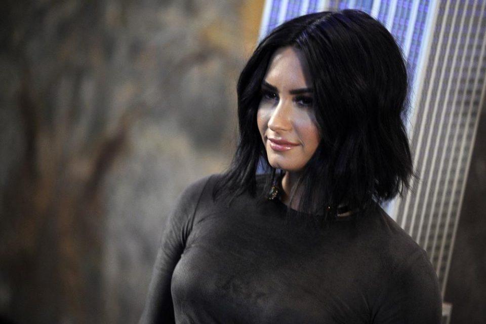 Се предозира, животот и висеше на конец: Славната актерка се огласи прв пат после скандалот поради кој заврши во болница (ФОТО)