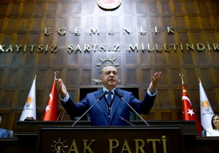 Ердоган едногласно реизбран за лидер на АКП
