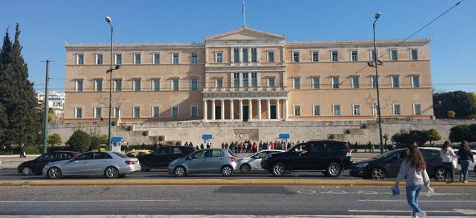 Грчката Влада со нови, конкретни мерки за справување со зголемениот бран бегалци и мигранти