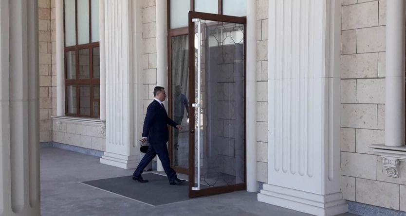 Ноќно судење на Груевски во апелација, без адвокати