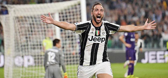 Игуаин го стопира трансферот во Милан