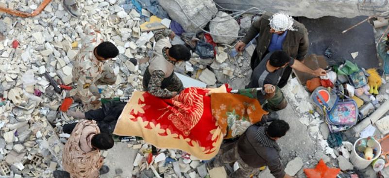 Две лица загинаа, а најмалку 240 се повредени во силен земјотрес во Иран
