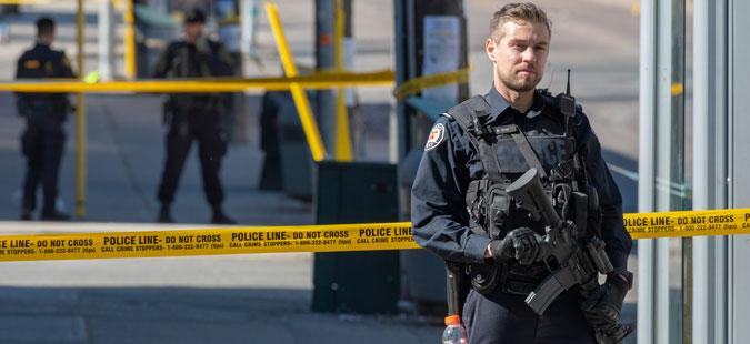 Најмалку четворица загинати во оружен напад во Канада- граѓаните предупредени да не ги напуштаат своите домови