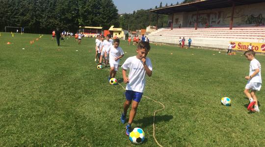 Јанчев ја посети Отворената забавна фудбалска школа: Oпштината се труди како сите сектори, така и спортот, да го покрене на едно повисоко ниво
