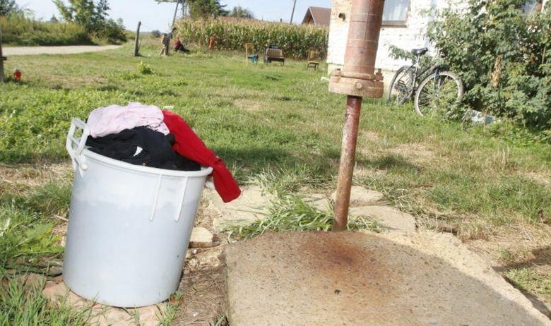 Едногодишно девојче се удави во кофа со вода