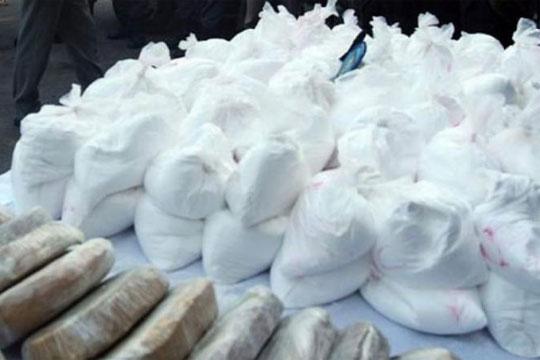 Франција: Запленет над еден тон кокаин