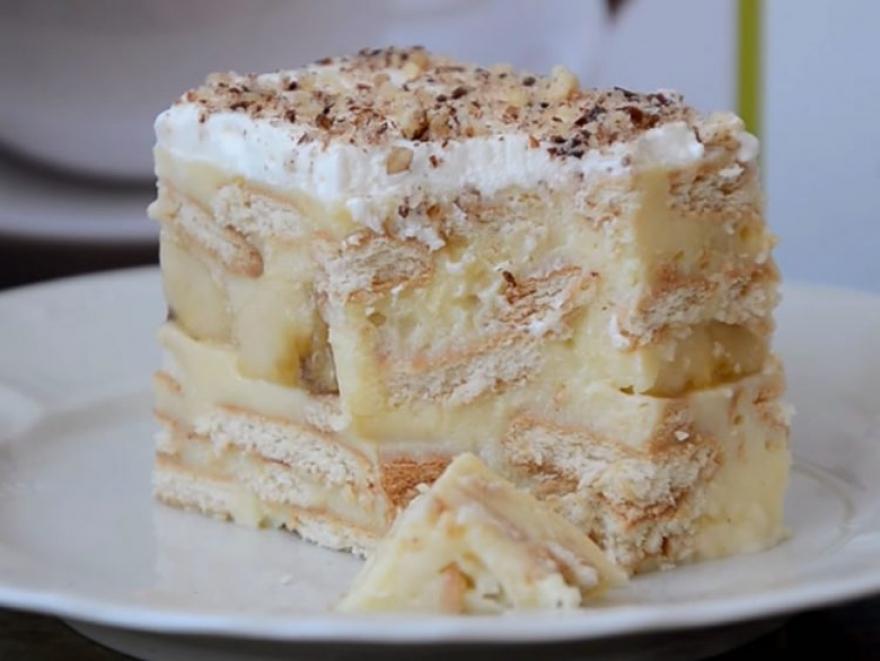 Банани, јогурт и бисквити – најкремастиот освежувачки десерт!