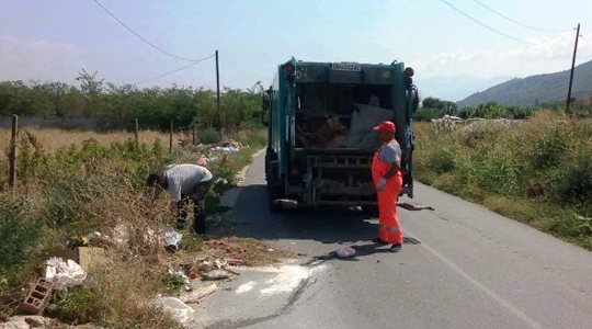 """""""Комуналец"""" по седми пат ја чистеше депонијата кај селото Баница"""