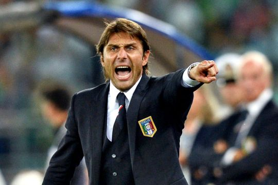 Конте опција за тренер на Јунајтед доколку Мурињо добие отказ