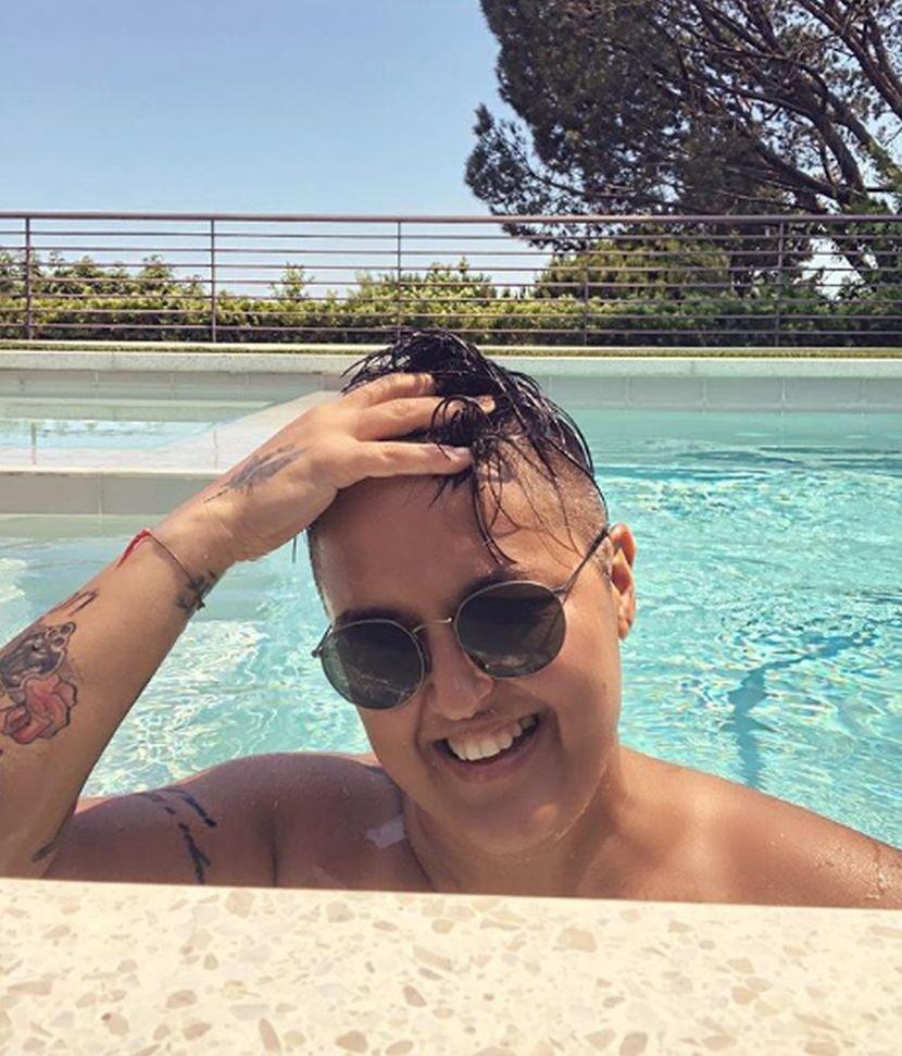 """Шерифовиќ ги почести фановите од базен во Лос Анџелес, но кога ќе видите каква """"машина"""" вози ќе заборавите на се (ФОТО)"""