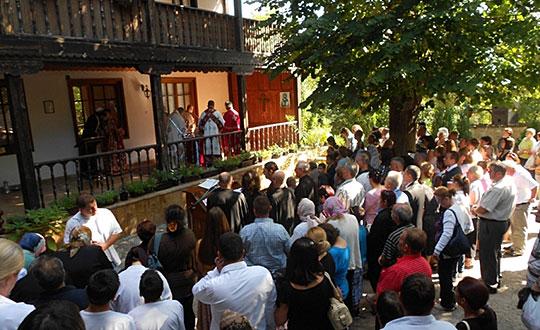 Oдбележување на празникот Успение на Пресвета Богородица во манастирот во Матка